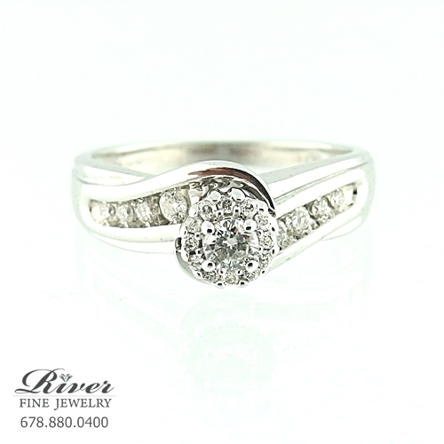 14k White Gold Halo Diamond Engagement Ring 0.75Ct Total Weight