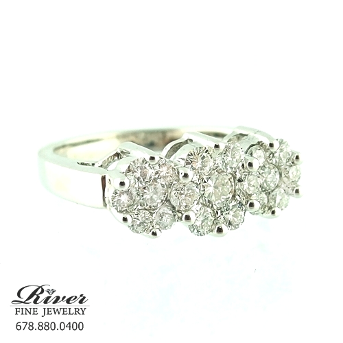 14k White Gold Ladies Right Hand Ring 1.00Ct Total Weight
