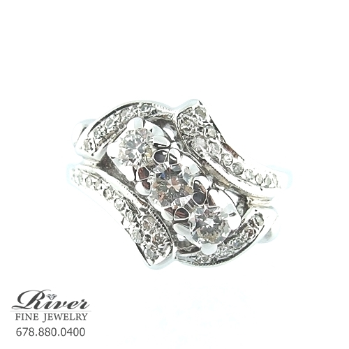 14k White Gold Ladies Right Hand Ring 1.10Ct Total Weight