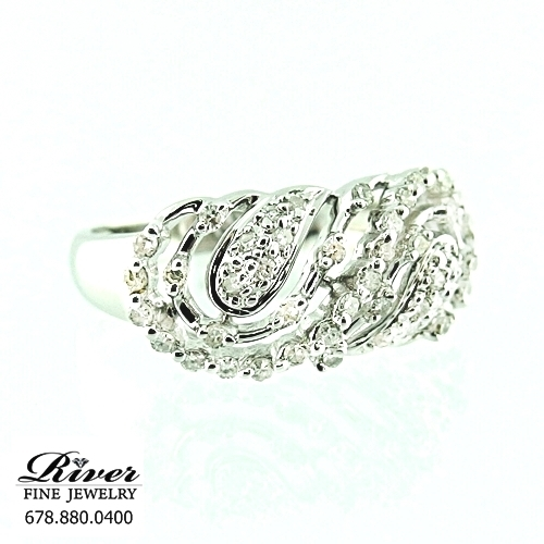 14k White Gold Ladies Right Hand Ring 0.50Ct Total Weight
